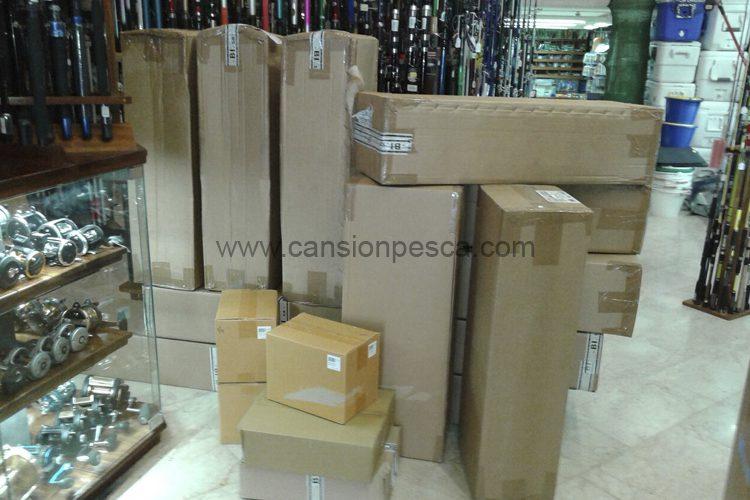 no-deja-de-llegarnos-material-para-llenar-nuestra-nueva-tienda-del-portixol-grauvell-normark-beuchat-02